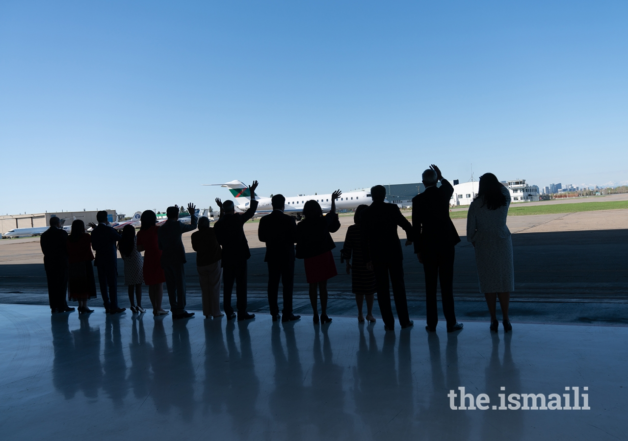Leaders of the Jamat wave goodbye as Mawlana Hazar Imam departs after a 12-day visit to Canada.