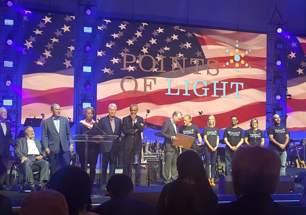 Five former Presidents on stage for the Points of Light Award ceremony, with the five awardees and Neil Bush