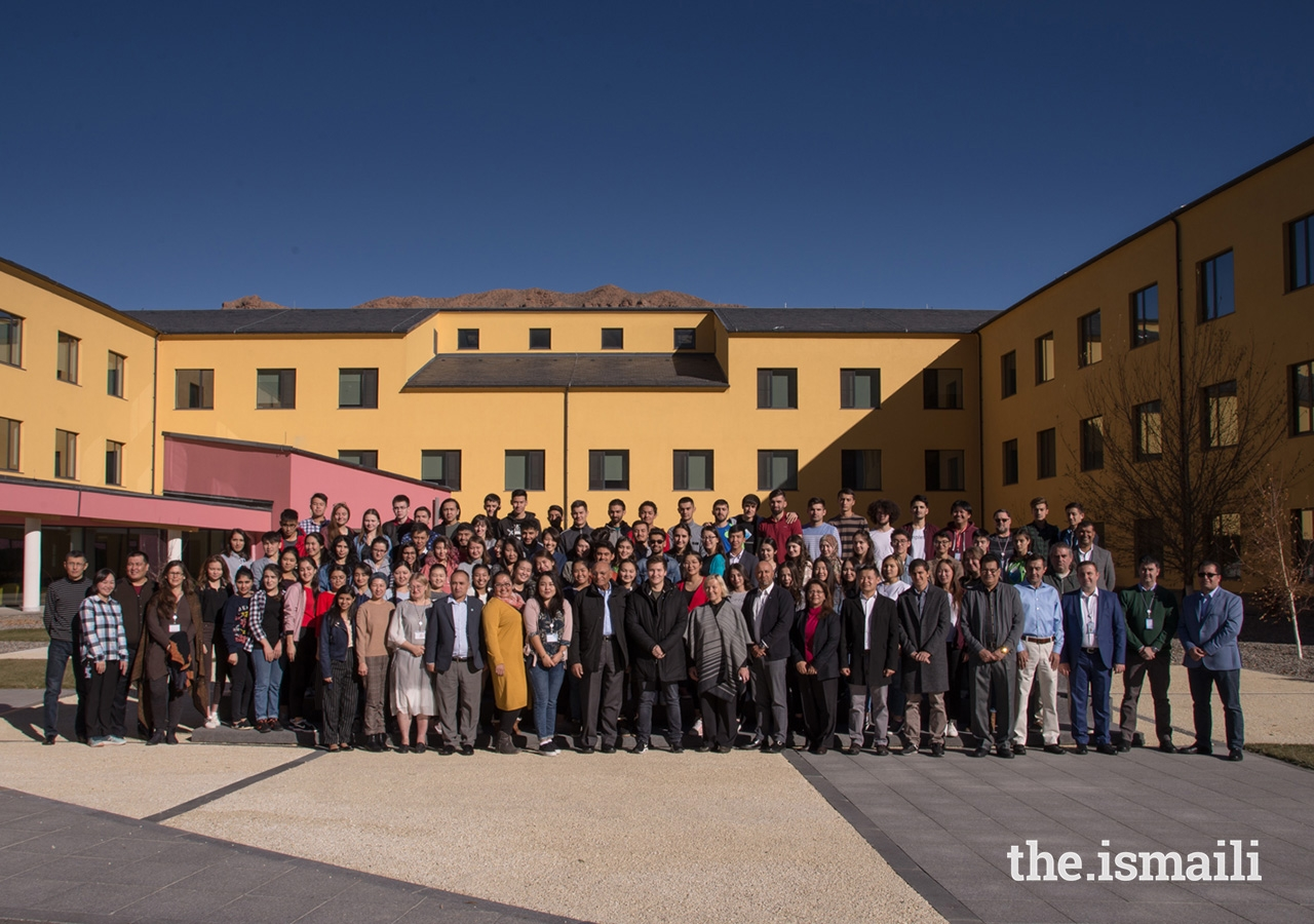 Prince Aly Muhammad together with faculty, staff and students at the Naryn Campus of the University of Central Asia.