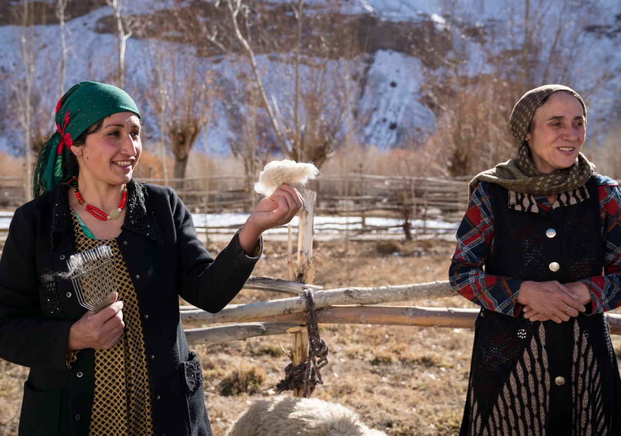 "In Roshtqala, Tajikistan, the Aga Khan Foundation supports a programme that links ""Pamiri Yarn"" – a cashgora-producing women's group – to buyers in the USA. The business benefits Tajik and American artisans, as well as cashgora goat producers in the Pamirs."