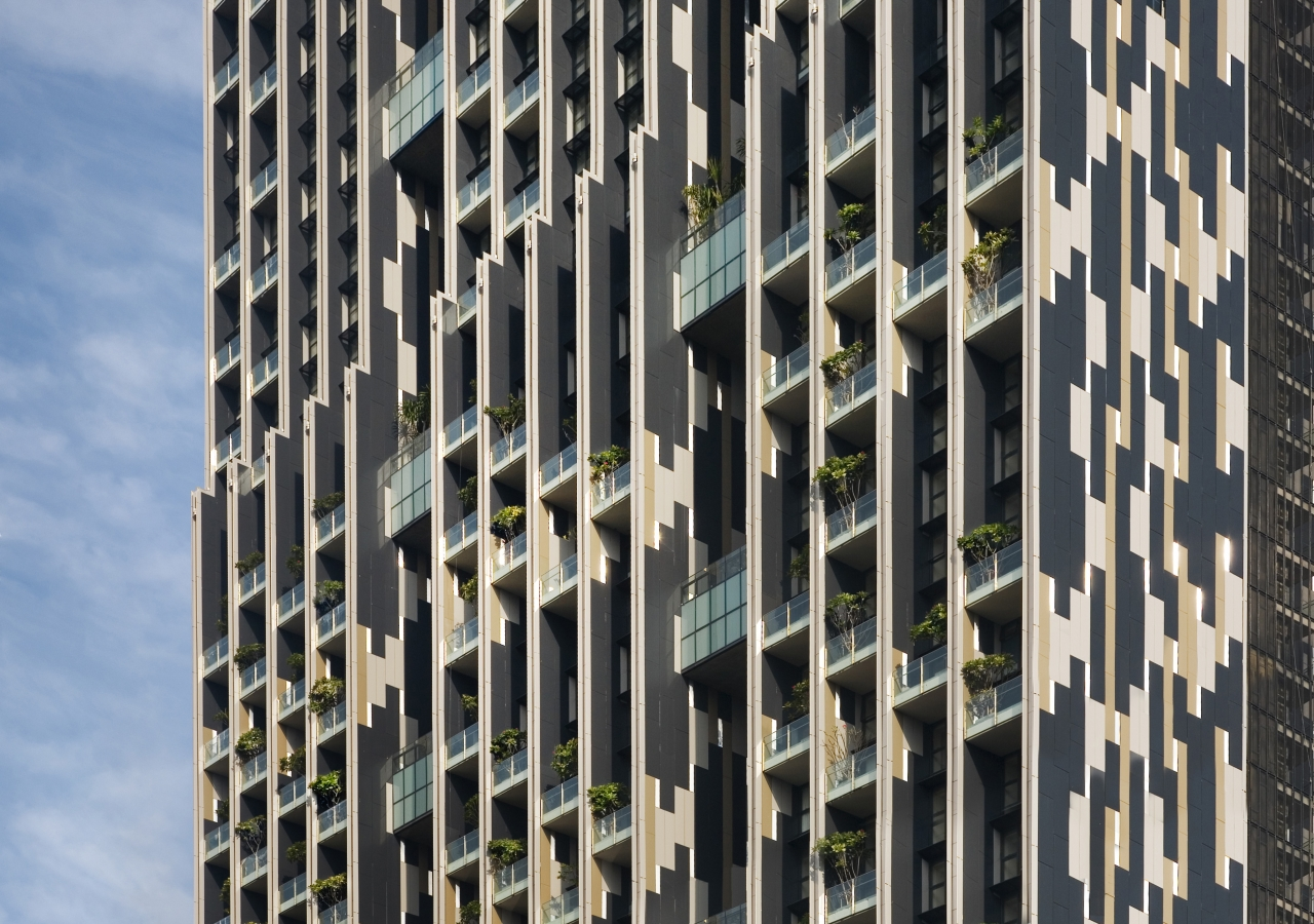 The staggered block arrangement of the 66-storey Met Tower in Bangkok — shortlisted for the 2013 Award — provides plenty of light and cross-ventilation, so that apartments require no air conditioning.