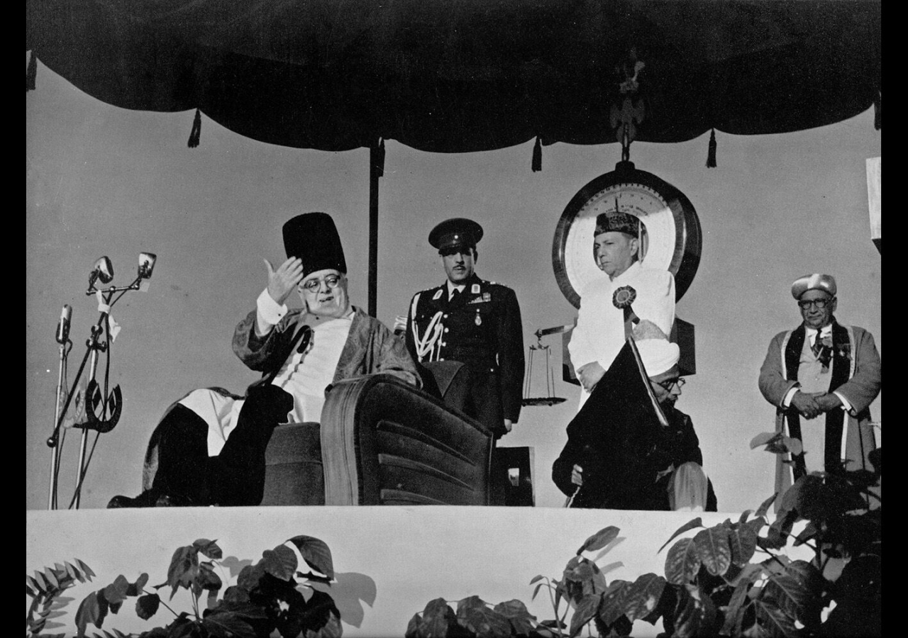 Mawlana Sultan Mahomed Shah acknowledges the greetings of all those gathered in commemoration of 70 years of his Imamat during Platinum Jubilee celebrations in Karachi, February 1954.