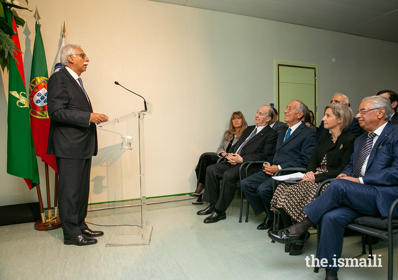Firoz Rasul, President of the Aga Khan University (AKU) describes the strong relationship between the AKU and Portugal's Ministry of Health at the ceremony to mark the donation of robotic surgery equipment by the Ismaili Imamat.