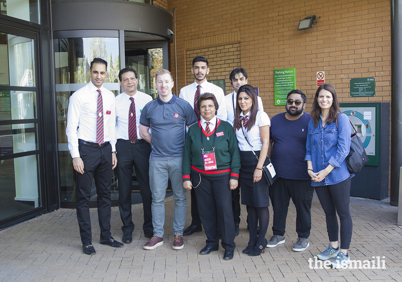 i-CERV and the Ismail Volunteer Corpspartnered with The Salvation Army to prepare gift bags for the homeless and vulnerable people in Nottingham.