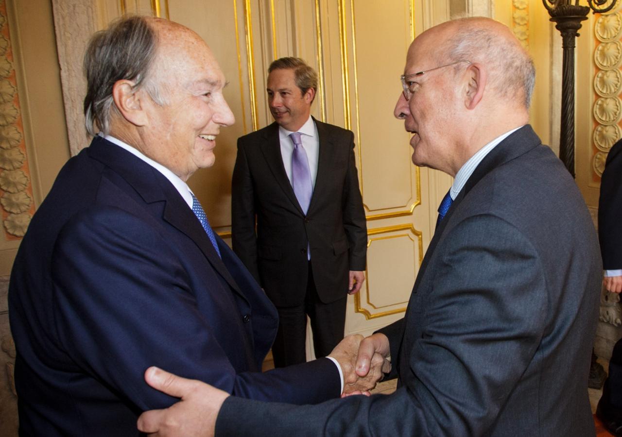 Mawlana Hazar Imam with Augusto Santos Silva, Portugal's Foreign Minister at the Palácio das Necessidades. AKDN / Luis Filipe Catarino