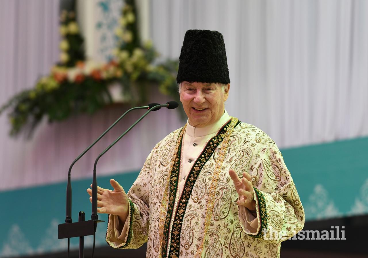 Mawlana Hazar Imam addresses the Jamat during the Diamond Jubilee Darbar in Nairobi