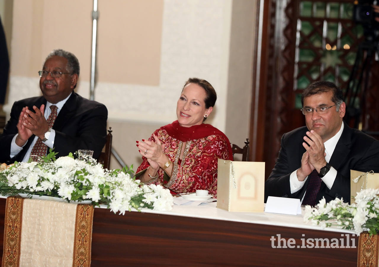 Left to right: Dr Haile T. Debas, Chairman pro-tem, Princess Zahra Aga Khan Member, AKDN Board of Directors, and Hafiz Sherali, Ismaili Council for Pakistan President, applauding the performance at the institutional dinner held at Serena Hotel Islamabad