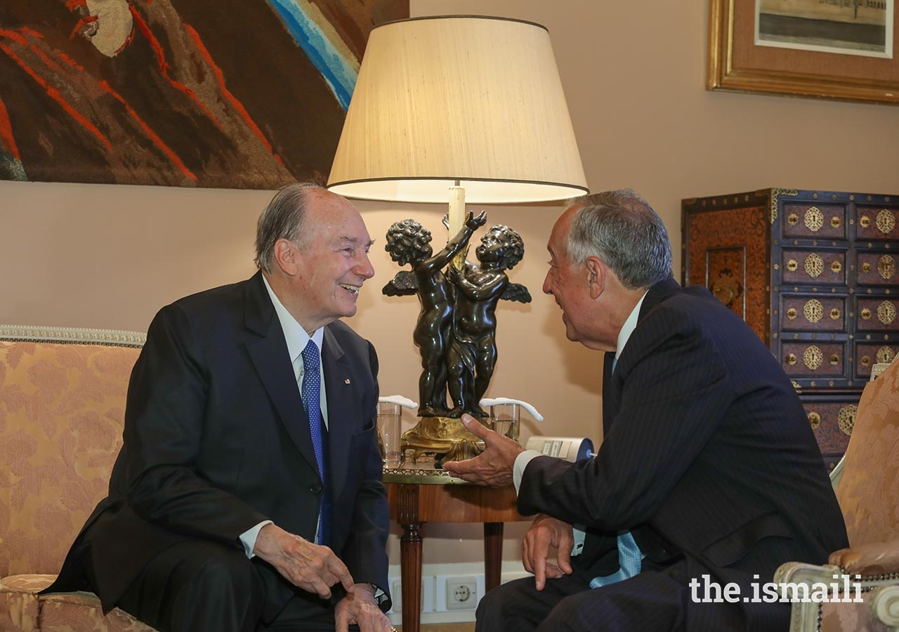 Mawlana Hazar Imam shares a light moment with President Marcelo Rebelo de Sousa during their meeting on 9 July 2018.