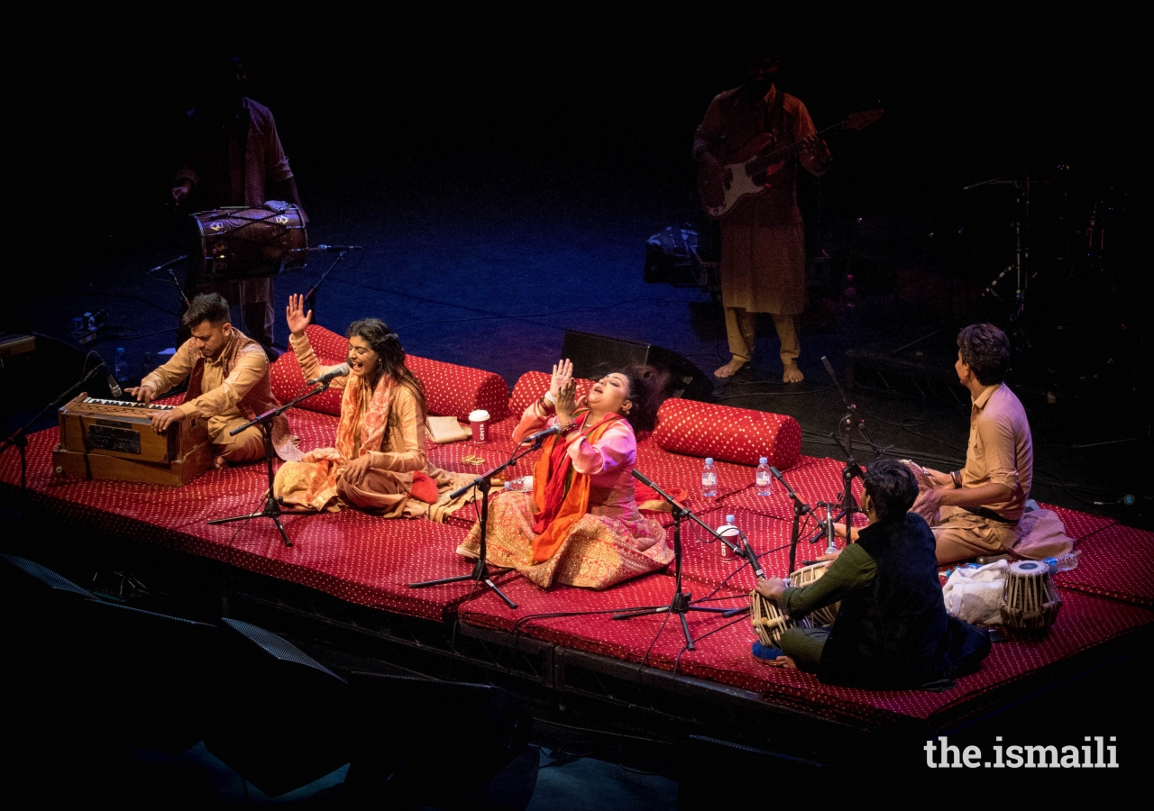 The Nooran Sisters performed at the Mehfil-e-Noor concert, at therenowned London Palladium in May 2018.