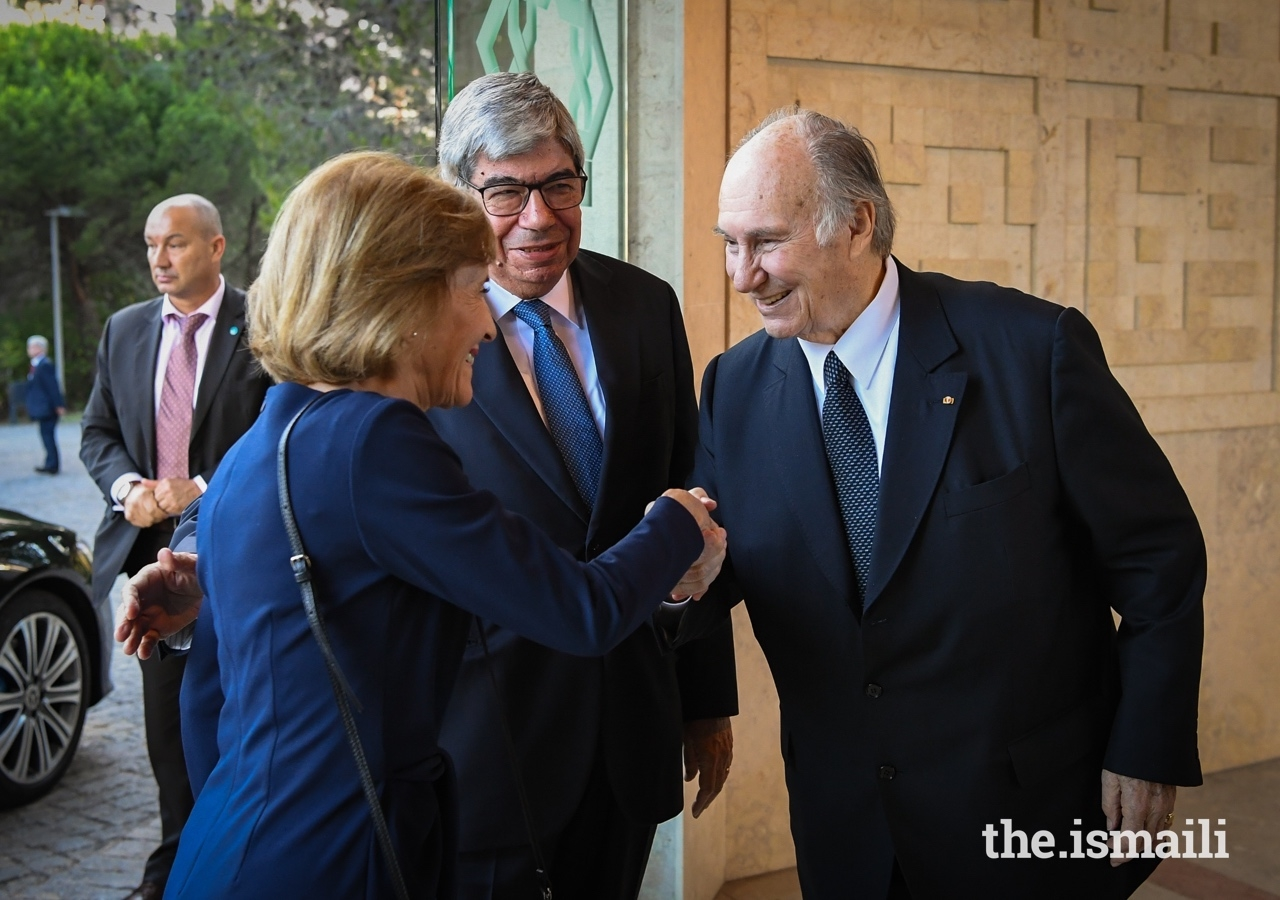 Mawlana Hazar Imam welcomes President of the Assembly of the Republic, His Excellency Eduardo Ferro Rodrigues and his wife Maria Filomena Lopes Peixoto de Aguiar to the Ismaili Centre in Lisbon for the 2019 GCP Annual Pluralism Lecture.