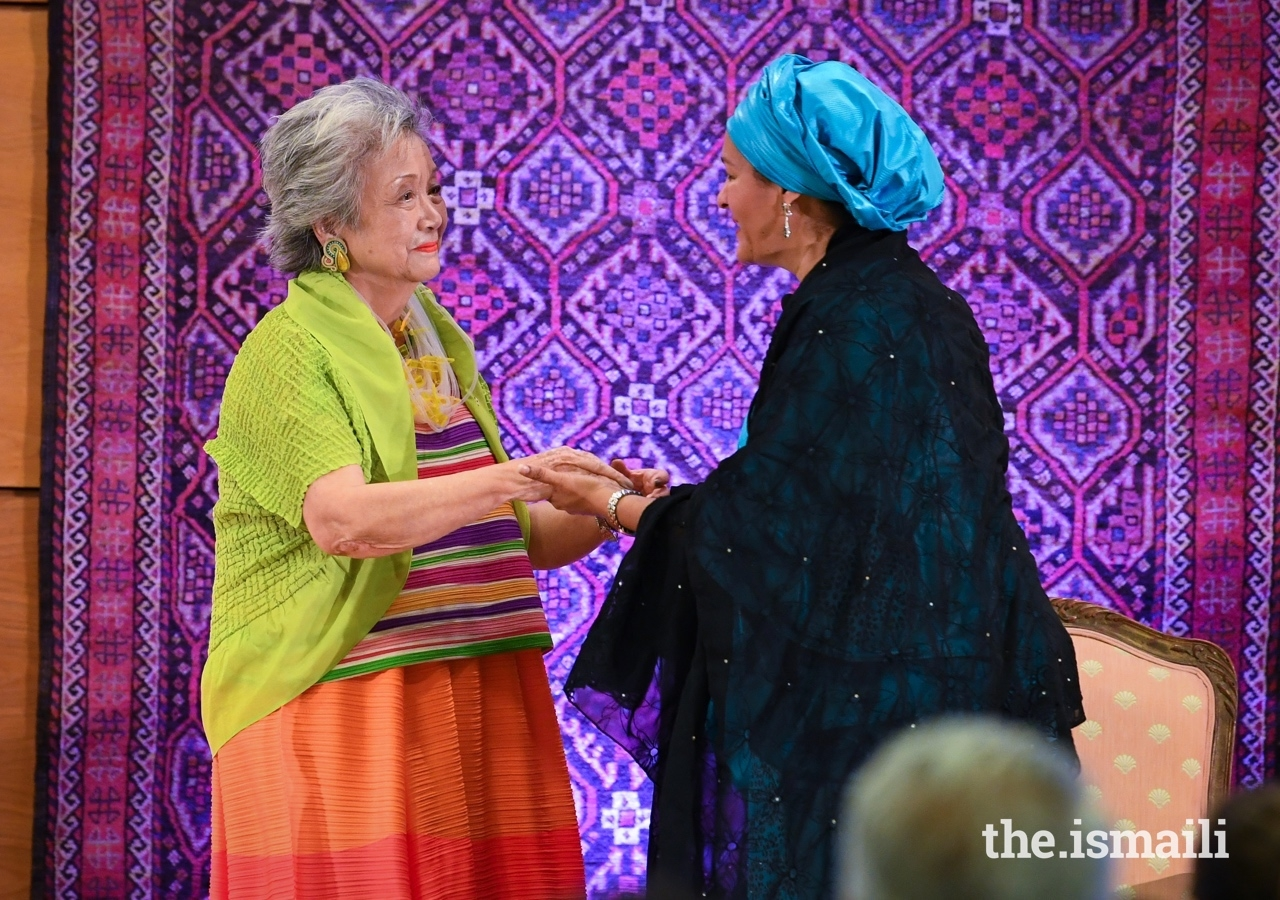 The Right Honourable Adrienne Clarkson, member of the Board of Directors of the Global Centre for Pluralism extends thanks to Deputy Secretary-General of the United Nations, Amina J Mohammed, who delivered the 2019 Annual Pluralism Lecture.