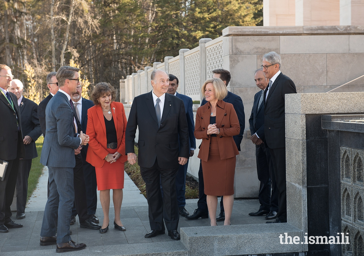 Mawlana Hazar Imam along with Premier of Alberta Rachel Notley and Lieutenant Governor of Alberta Lois Mitchell tour the Garden with landscape architect Thomas Woltz.