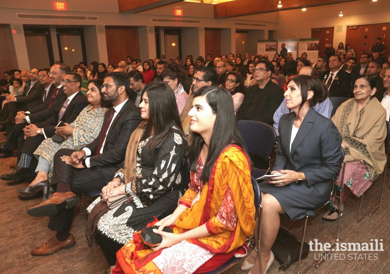 An attentive audience at Mr.  Derakshani's lecture, Houston.