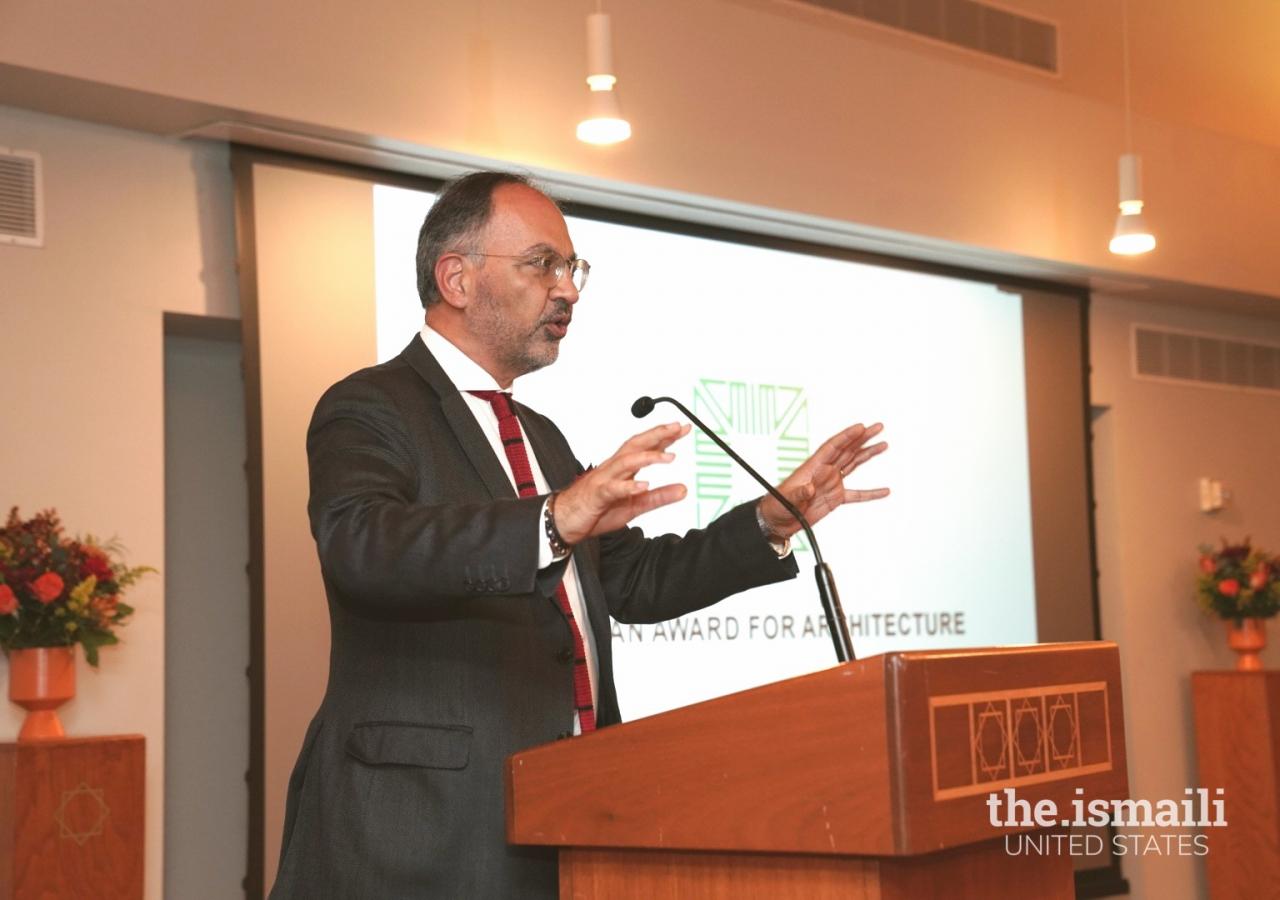 Farrokh Derakshani addressing the Jamat at the Ismaili Center and Jamatkhana on the Aga Khan Award for Architecture.