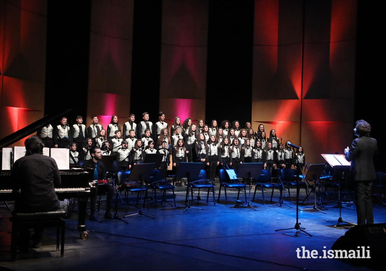 The children's choir, led by the technical director Mr Najy Hammoud, presented traditional songs with composure and professionalism.