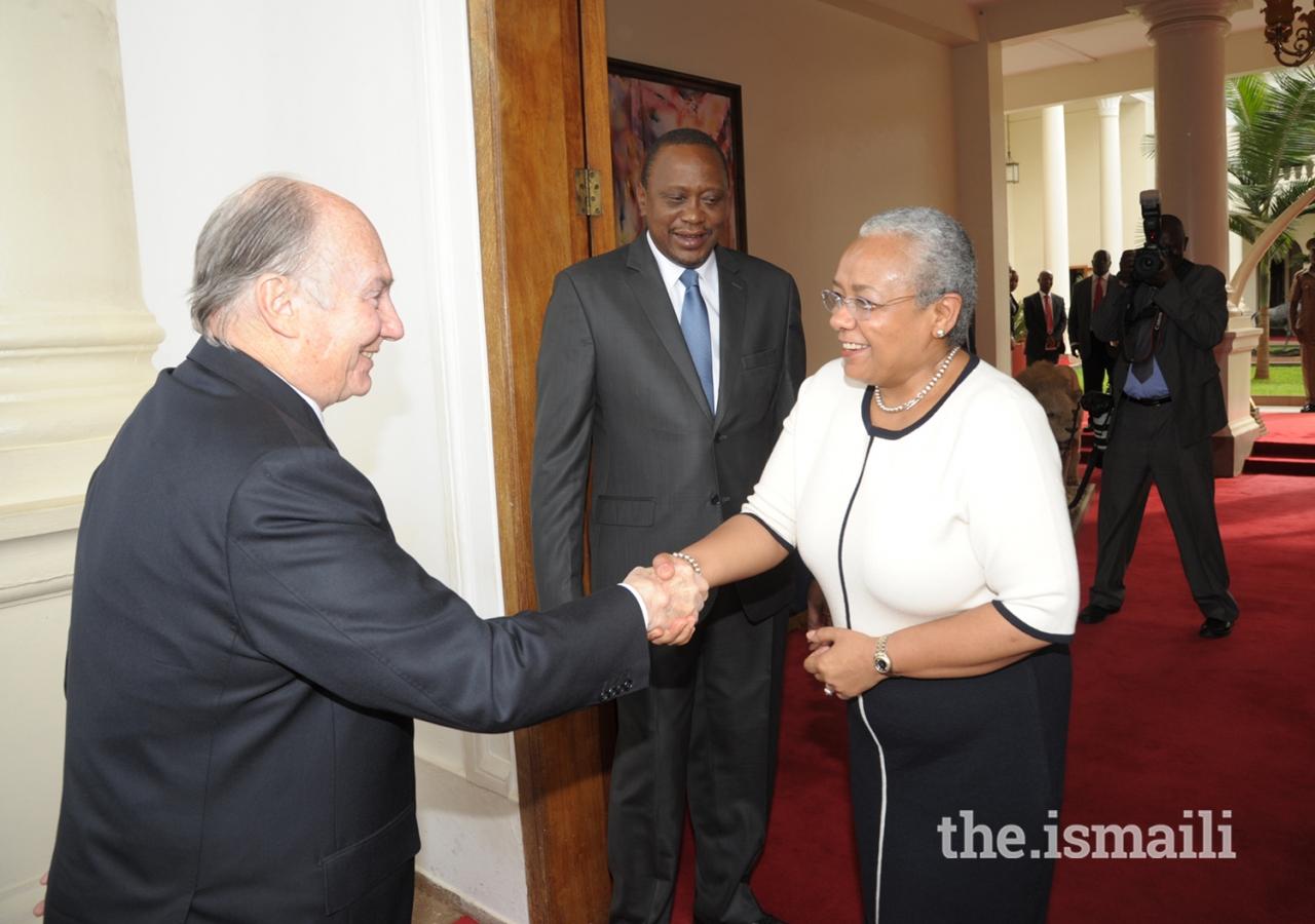 First Lady of Kenya Margaret Kenyatta welcomes Mawlana Hazar Imam to State House in Nairobi