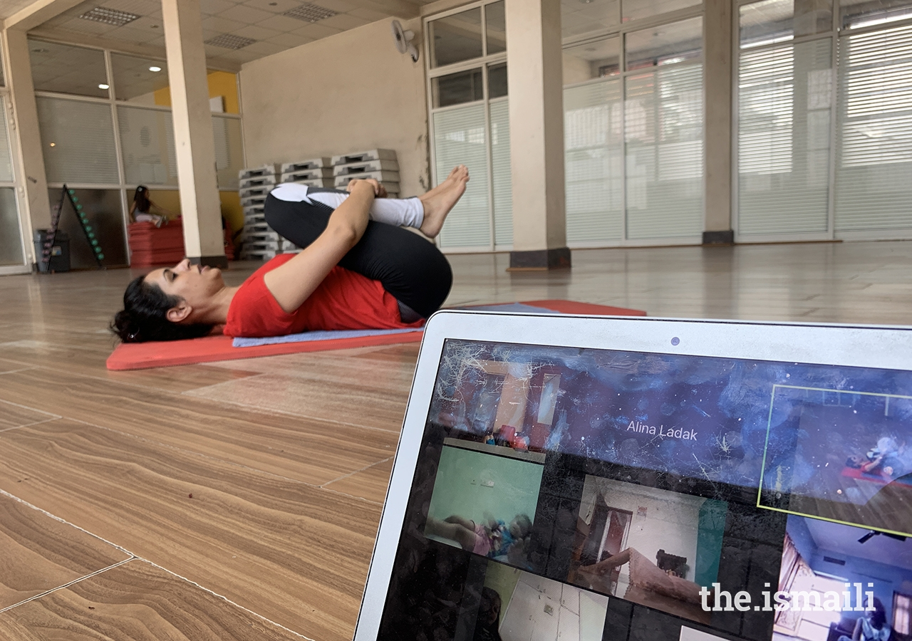 When in-person dance classes and performances came to a standstill, Aziza Jaffer Sharma used technology to channel her creativity. She began posting dance tutorials on her YouTube channel (some of which were also streamed on The Ismaili TV) and conducting virtual dance lessons on Zoom.