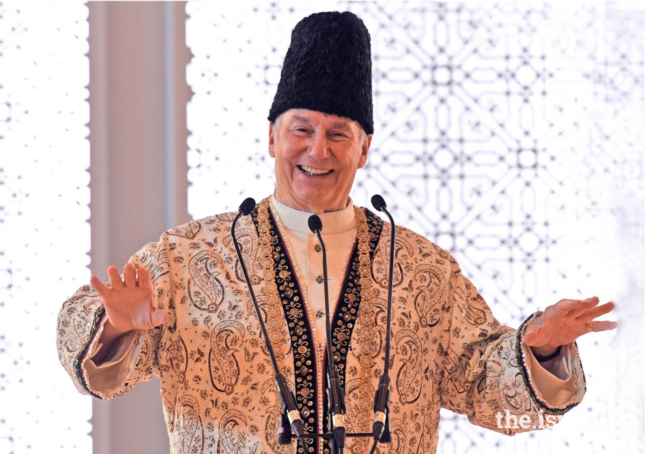 Mawlana Hazar Imam addresses the Jamat at the Diamond Jubilee Darbar in Paris.