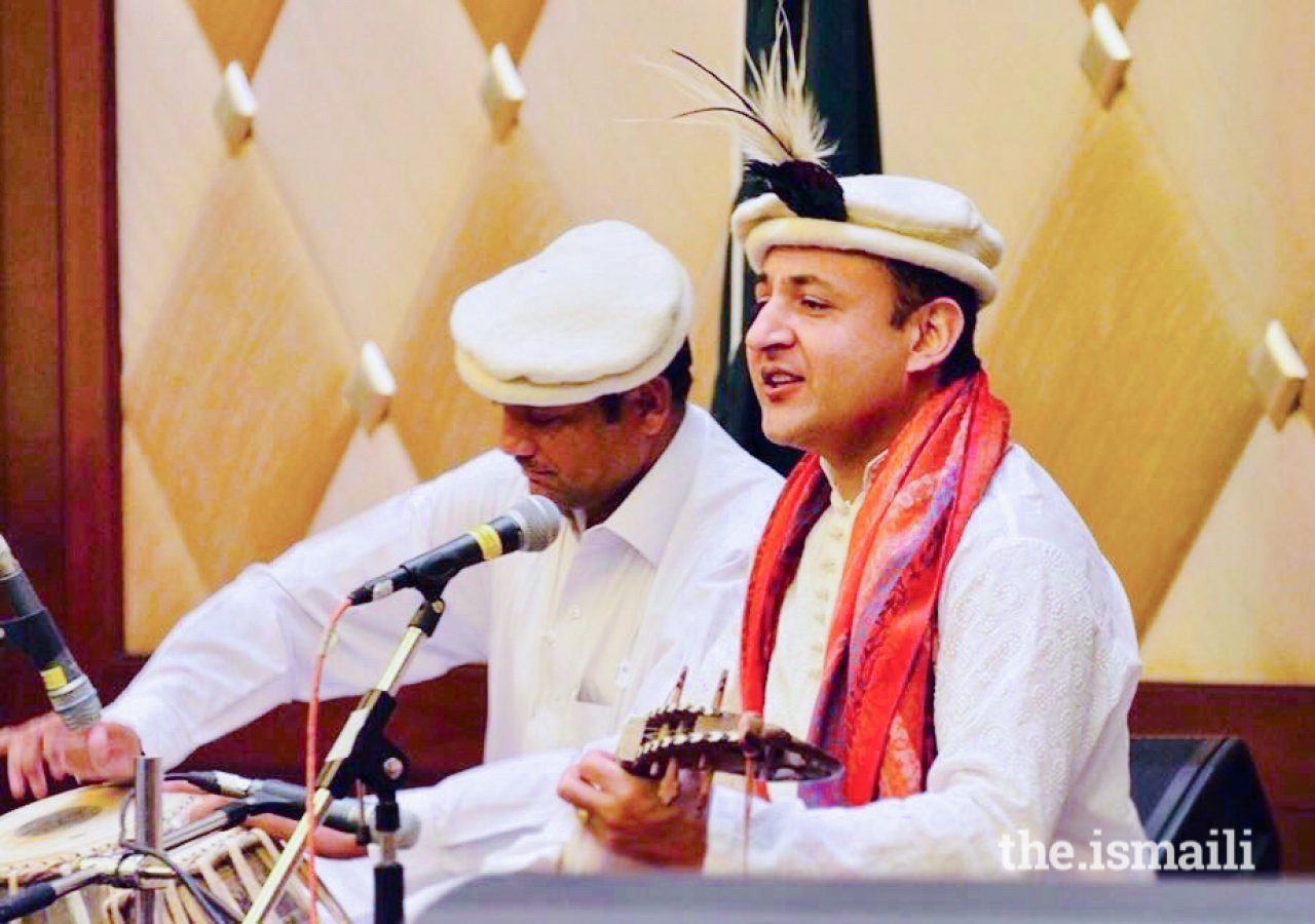 Shahid Qalandar plays the traditional Central Asian rubab at the Jubilee Arts Festival in Los Angeles in 2018.