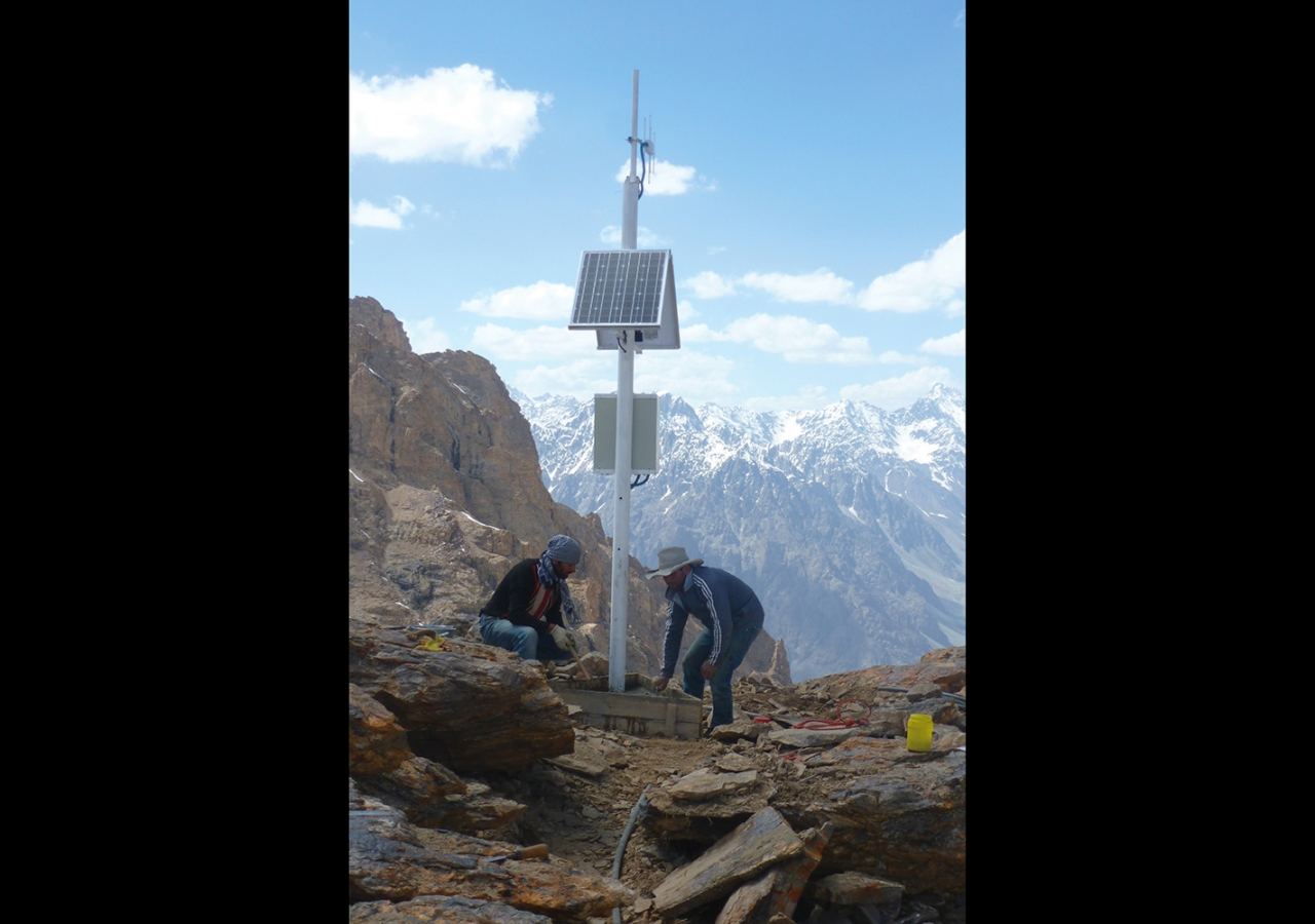 An early warning system is installed in the Shugnan district of Tajikistan. FOCUS