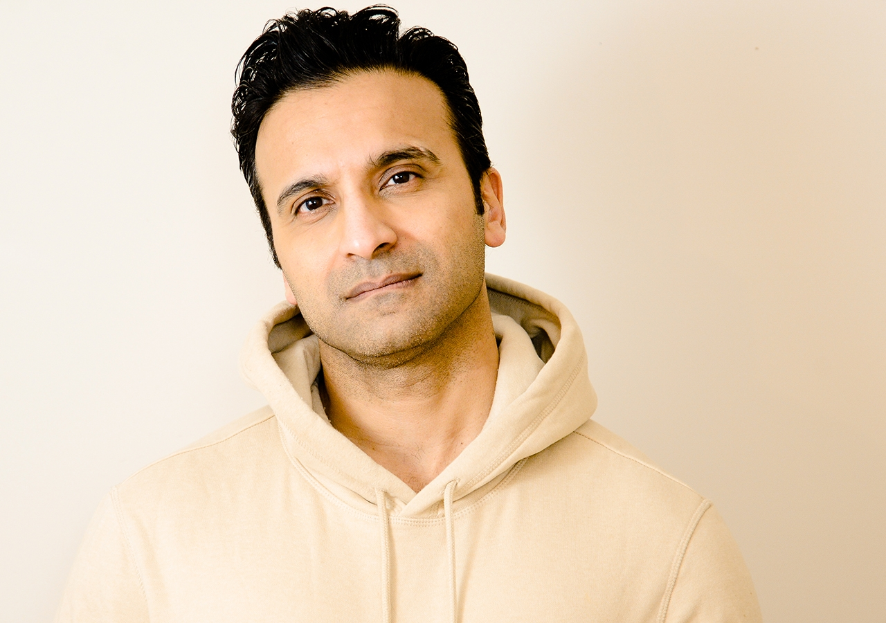 Huse Madhavji, an actor from Canada, was planning to relocate to New York when the pandemic hit. Huse had a penchant for performing ever since he was a young child acting in skits at Bait-ul Ilm.