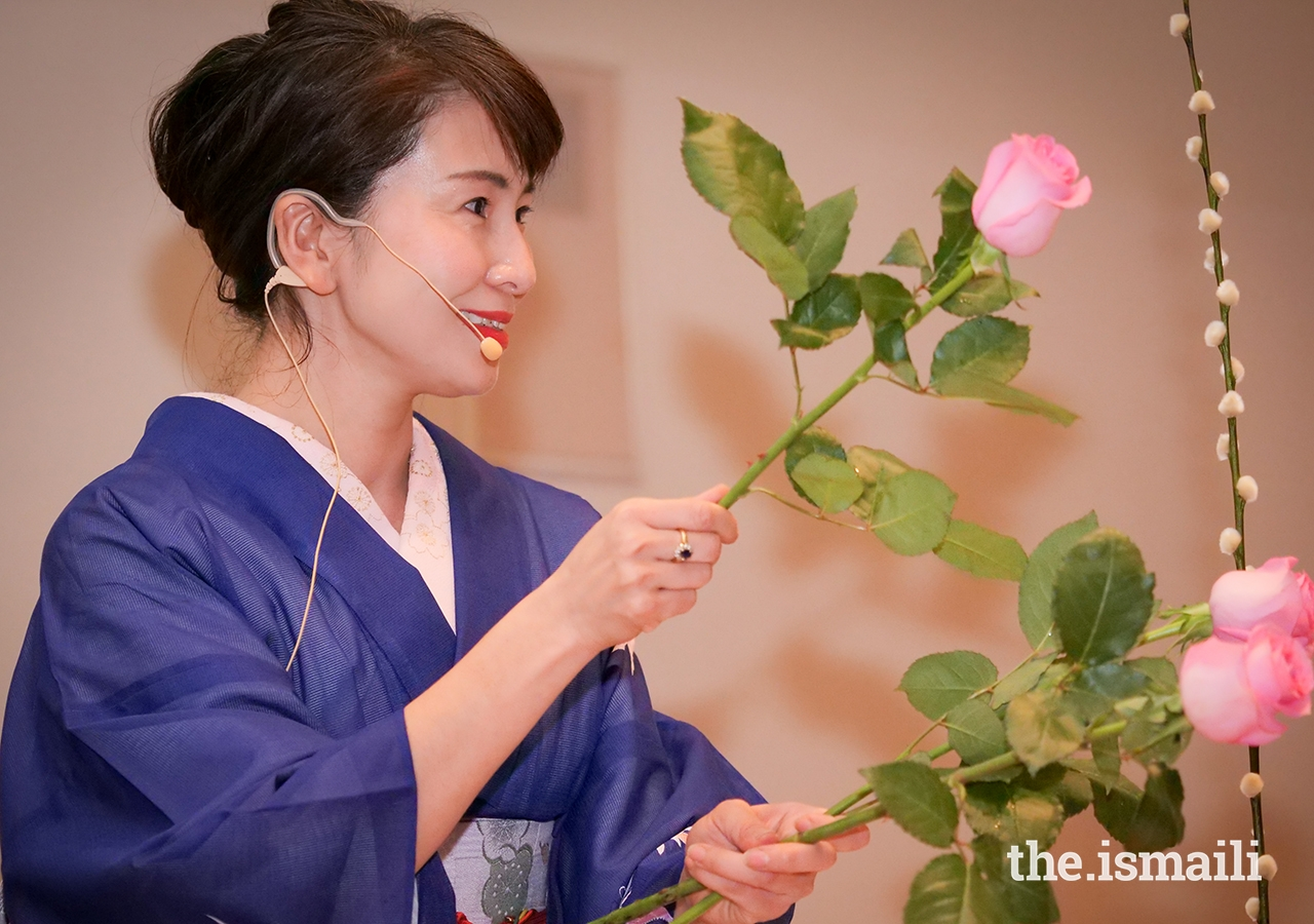 Ms Harue Oki, an art enthusiast and instructor, provided the audience an insight into the art of Ikebana.