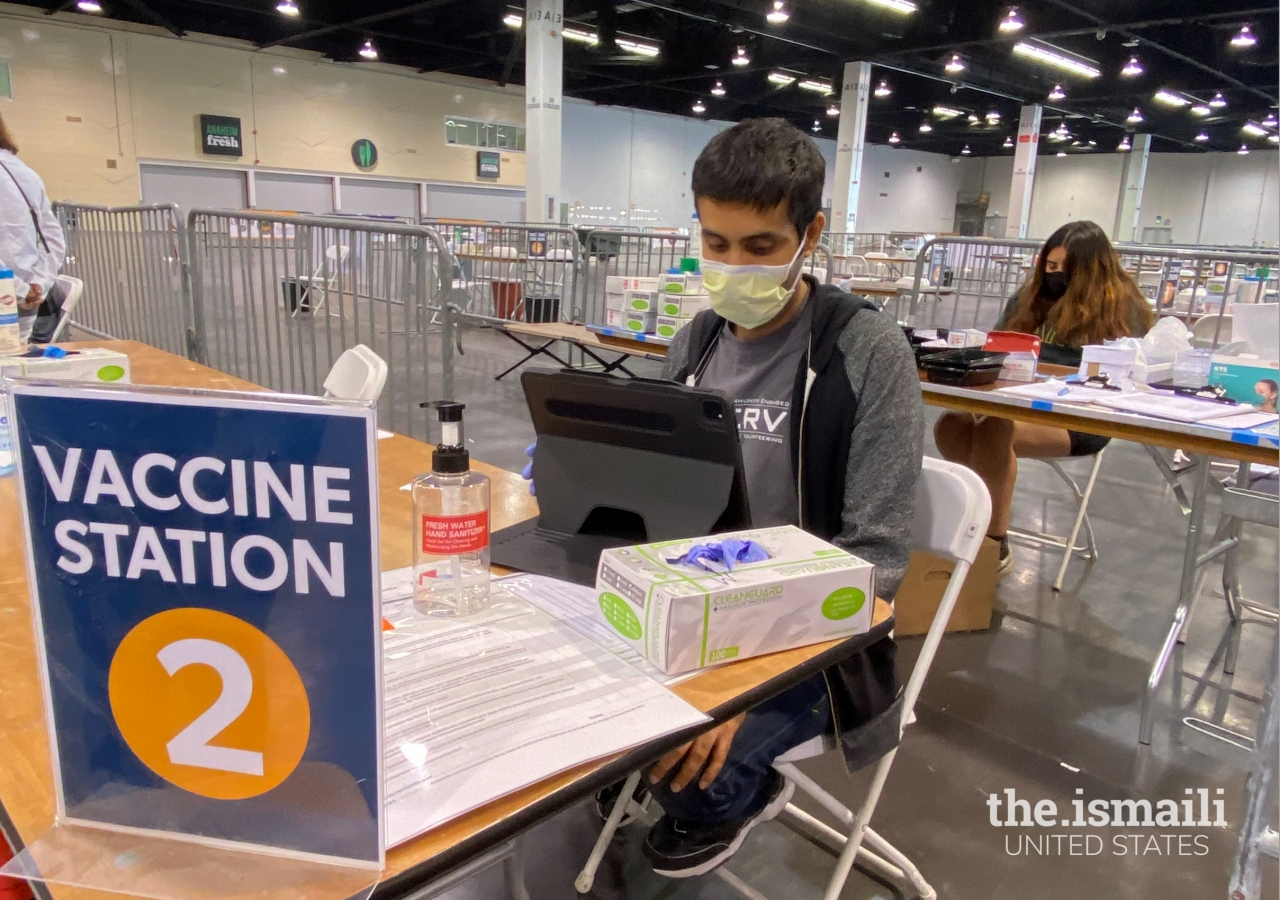 I-CERV volunteers at the Orange County vaccination site at the Anaheim Convention Center, on April 2, 2021.