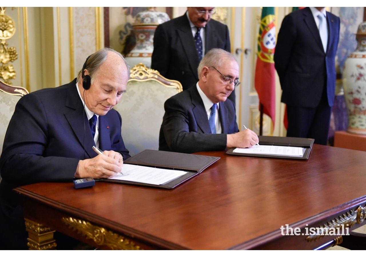 Mawlana Hazar Imam and Portugal's Minister of State and Foreign Affairs, Rui Machete, sign a landmark agreement establishing a formal Seat of the Ismaili Imamat in Portugal, on June 4, 2015.