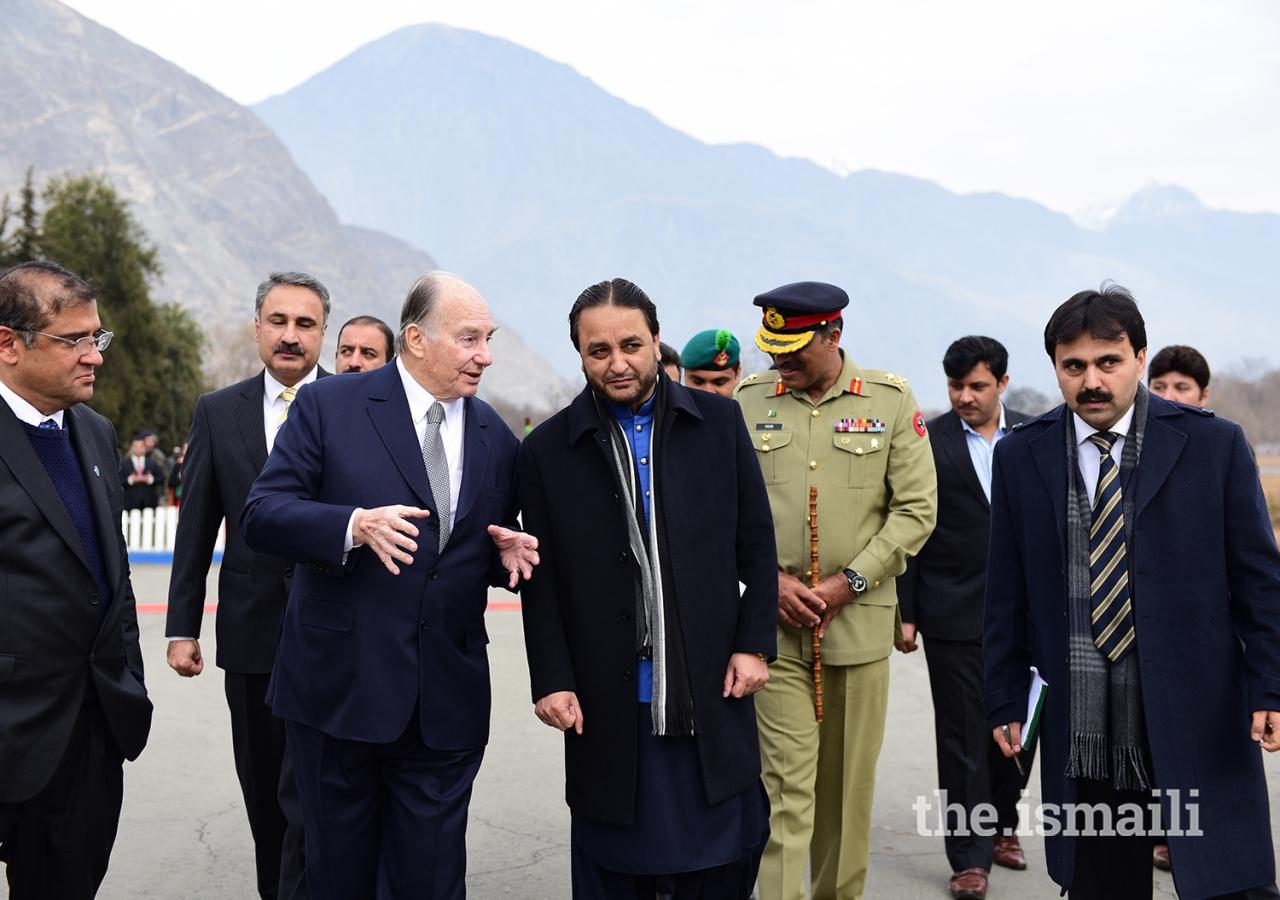 Mawlana Hazar Imam in conversation with Hafiz Hafeez-ur-Rehman, Chief Minister of Gilgit-Baltistan