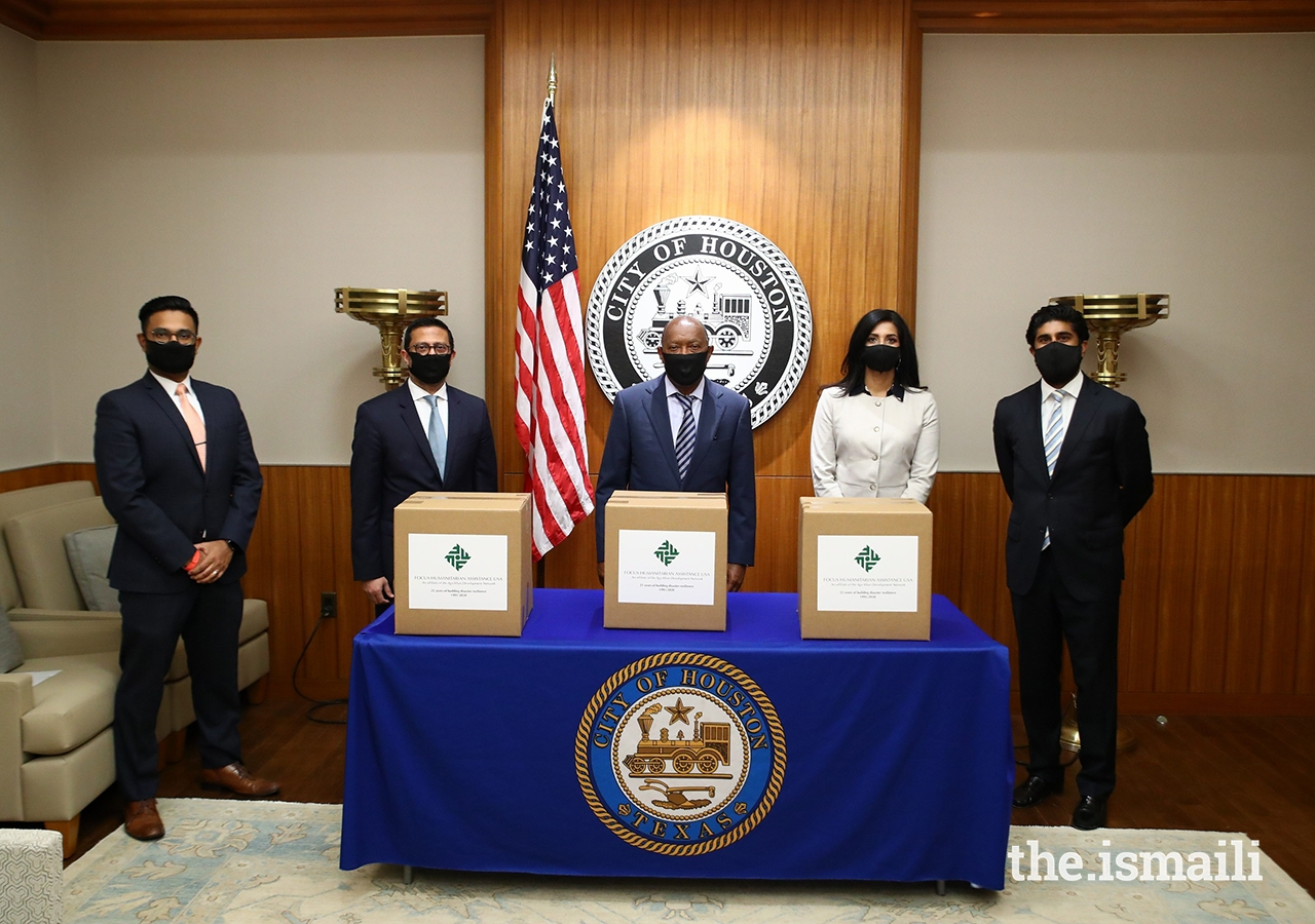 From left to right: Irfan Ali, Honorary Secretary, Ismaili Council for Southwestern US; Murad Ajani, President,Ismaili Council for Southwestern US; The Honorable Mayor Sylvester Turner, City of Houston; Shenila Momin, Chairperson Focus Humanitarian Assistance USA; Alim Adatia, Communications Coordinator, Ismaili Council for Southwestern US