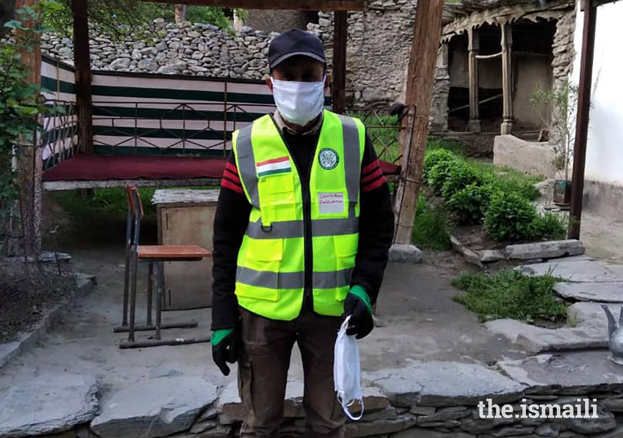 Shirinshoev Saidimron, a CERT Team Leader, used his own savings to produce and distribute masks to his community members.