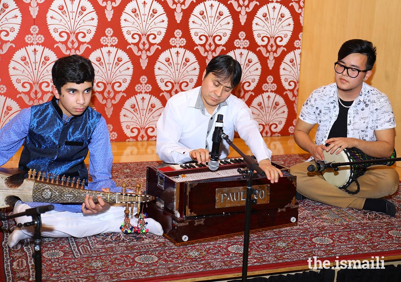 Local Toronto artists Ali Rajan, originally from Gilgit, playing the Rubab; Sameer Ameri, originally from Afghanistan, playing the Zerbaghali; and Safiulla Shirzay originally from Afghanistan, playing the Harmonium.