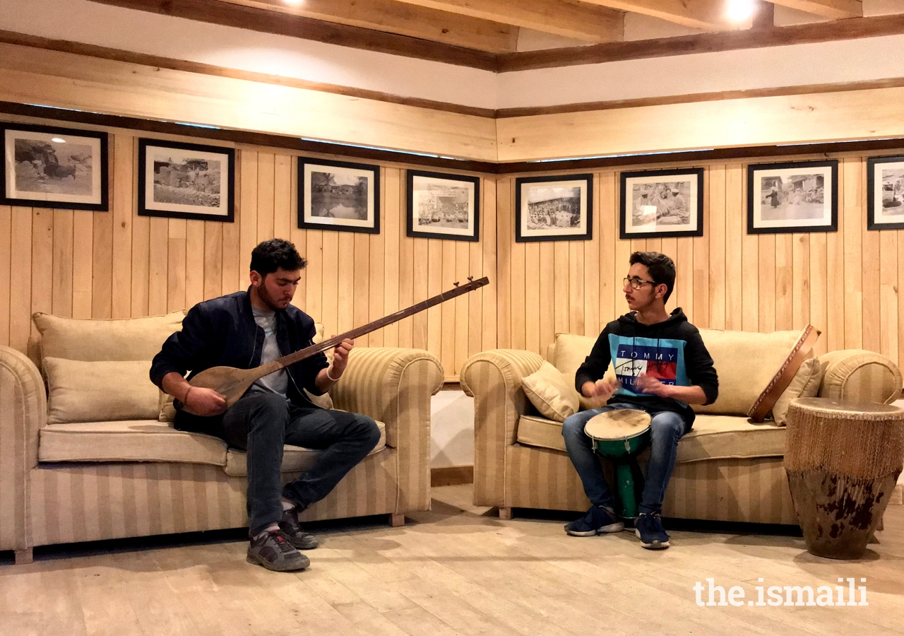 Students of the Leif Larsen Music Centre in Gilgit Baltistan practice musical instruments.