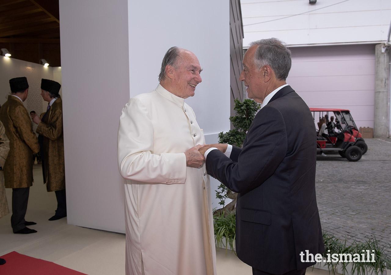 Mawlana Hazar Imam receives President Marcelo Rebelo de Sousa upon his arrival to the Darbar hall in Lisbon.