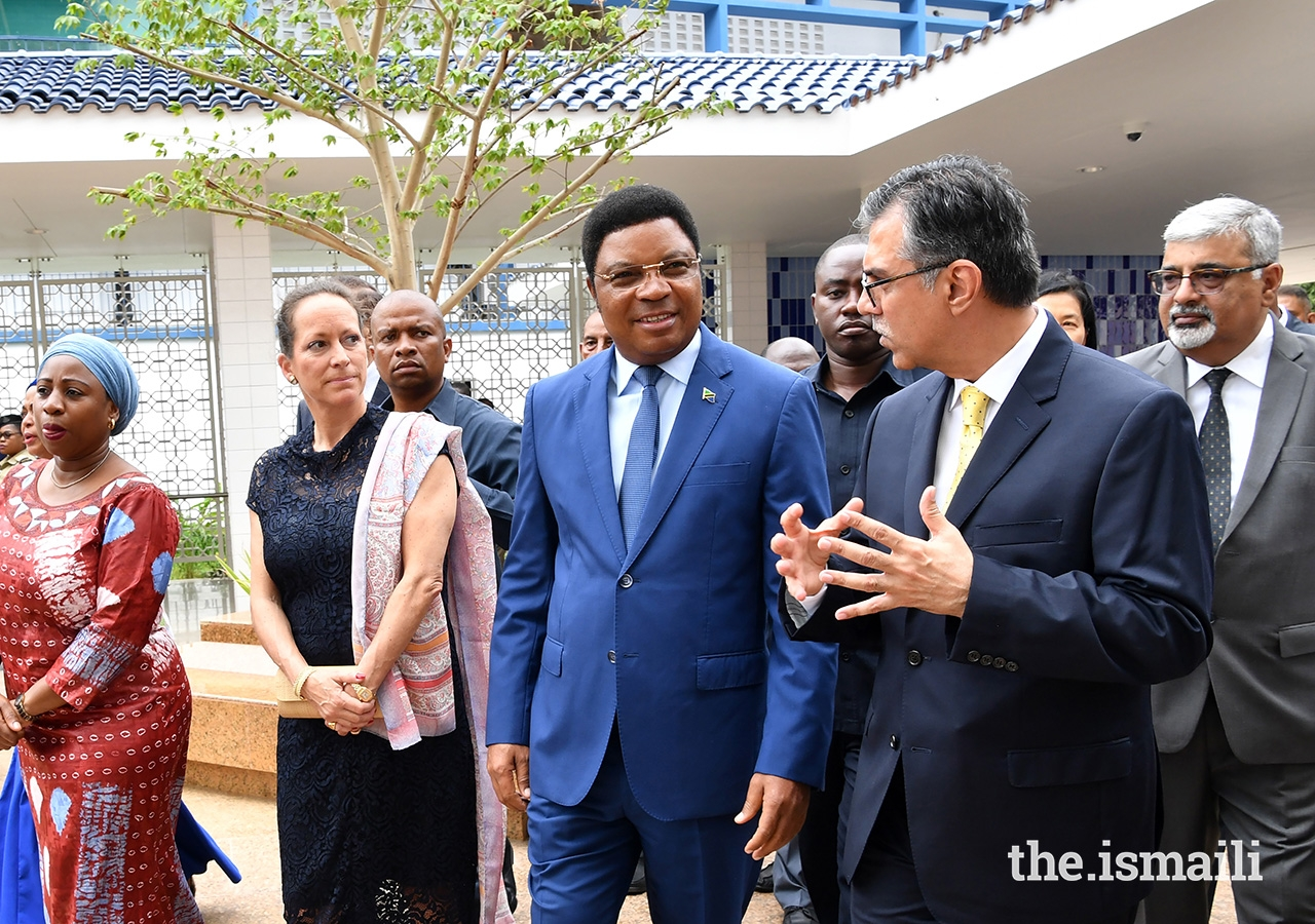 The Prime Minister of Tanzania, Hon. Kassim Majaliwa, and Princess Zahra receiving a brief on the construction of Phase II of The Aga Khan Hospital, Dar Es Salaam, by Mr. Sulaiman Shahabuddin the Regional Chief Executive Officer of the Aga Khan Health Services, East Africa.