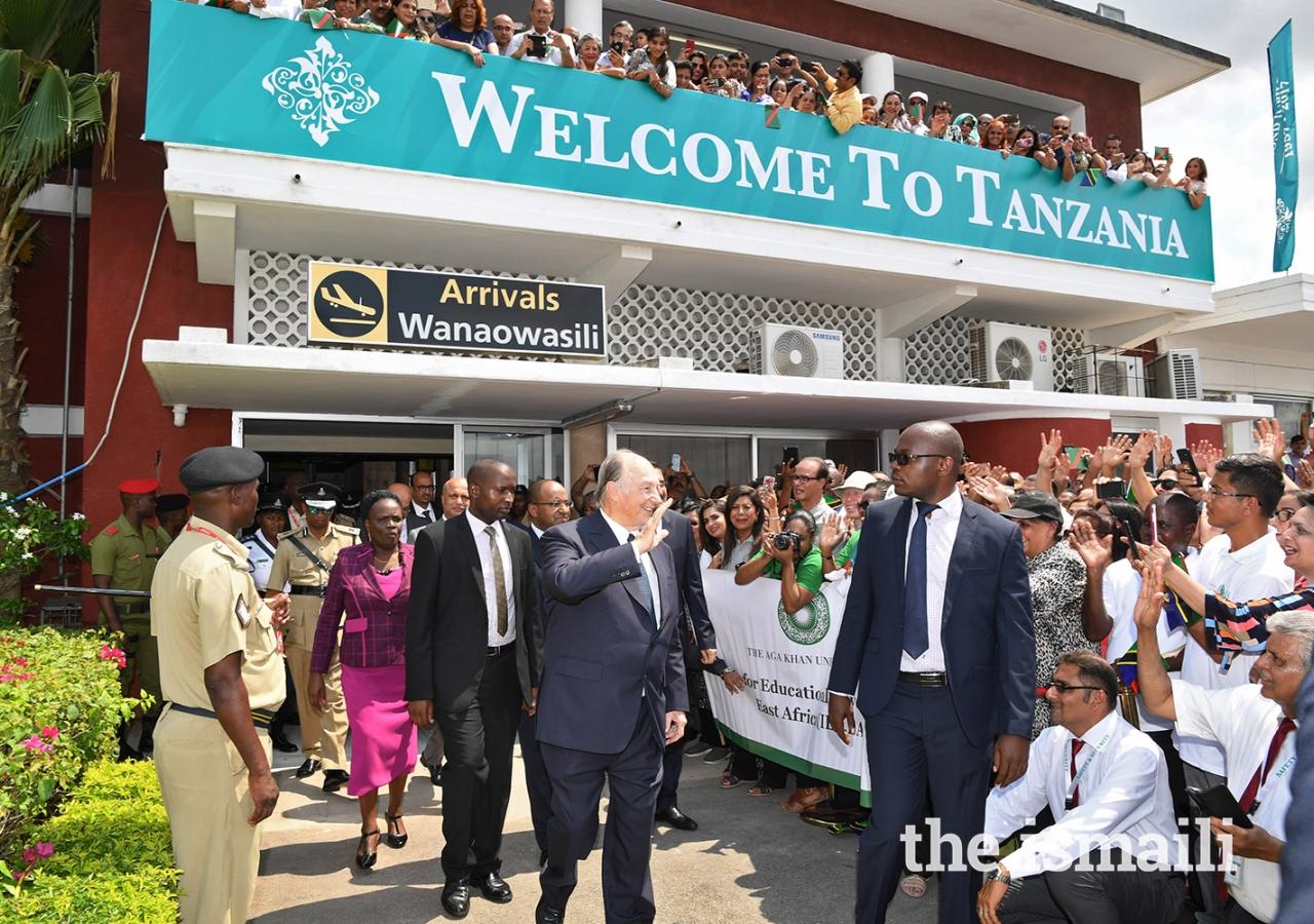 Mawlana Hazar Imam greets Jamati members during his arrival at the Julius Nyerere Airport in Dar es Salaam.