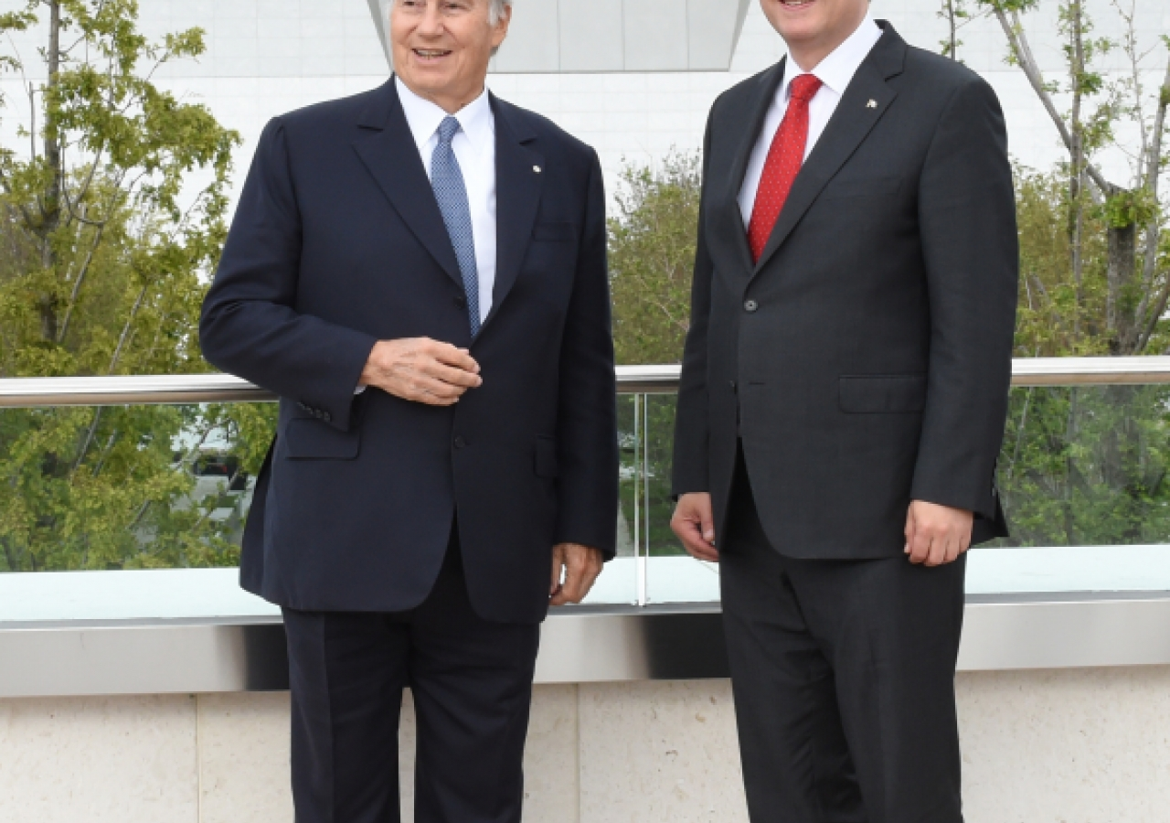Mawlana Hazar Imam and Prime Minister Harper on the terrace of the Ismaili Centre, Toronto, with a view of the Aga Khan Museum. Gary Otte
