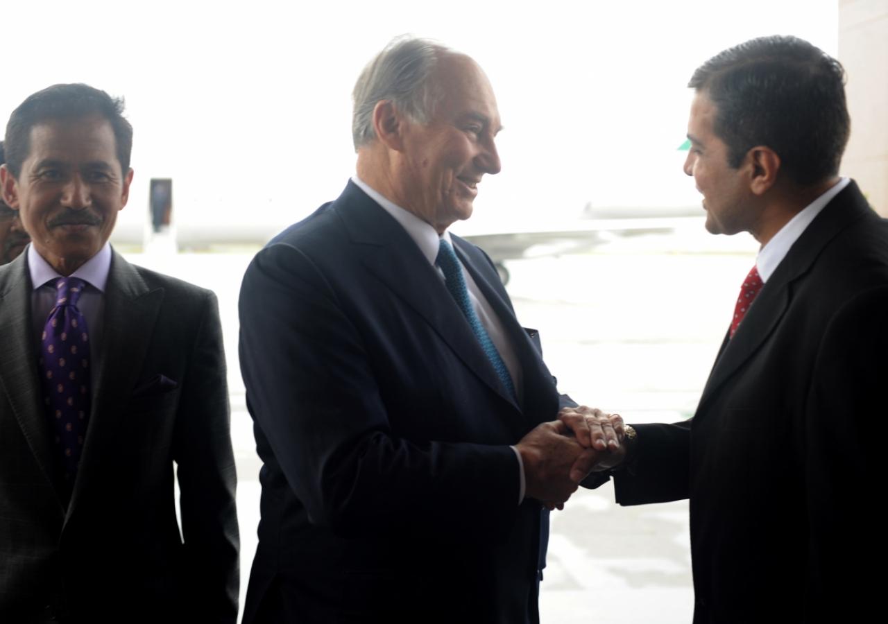 Upon his arrival in Malaysia, Mawlana Hazar Imam is greeted by Rai Inayat Bana, President of the Ismaili Council for the Far East.