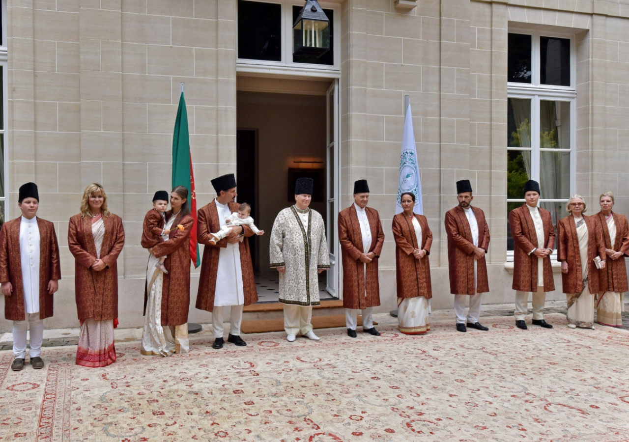 His Highness the Aga Khan and members of his family at the homage ceremony inaugurating his Diamond Jubilee on 11 July 2017.