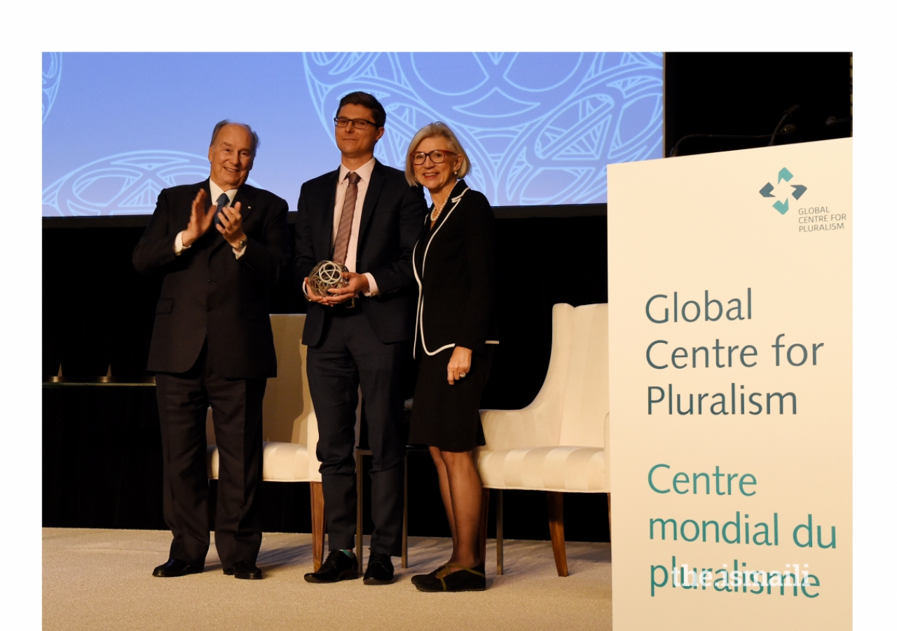 Daniel Webb, Director of Legal Advocacy for the Human Rights Law Centre, received the Global Pluralism Award in recognition for his efforts to protect the rights of asylum seekers in in Australia, through advocacy and media campaigns.