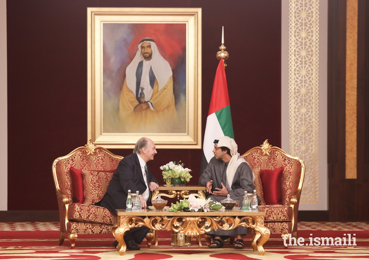 Mawlana Hazar Imam in conversation with His Highness Sheikh Mansour bin Zayed Al Nahyan, Deputy Prime Minister and Minister of Presidential Affairs.