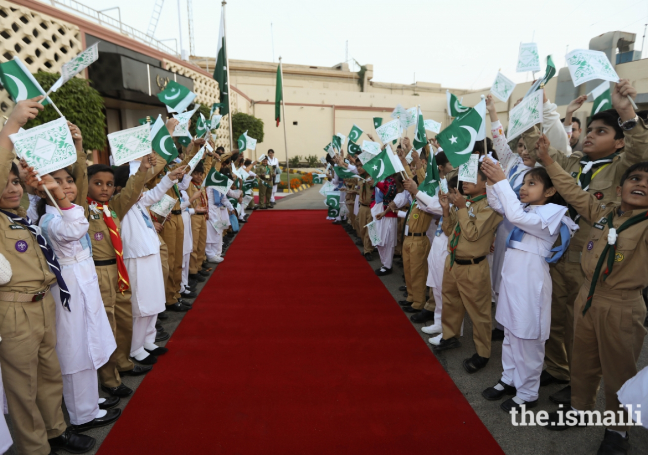 Shaheen Scouts and Junior Guides from Sindh Jamat prepare to welcome Mawlana Hazar Imam to Karachi