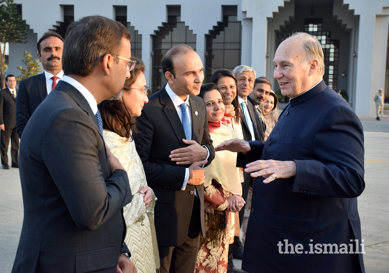 Local leadership bids farewell to Mawlana Hazar Imam on departure from Islamabad