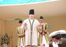 Mawlana Hazar Imam walks through the Jamat during the Darbar at Booni, Upper Chitral