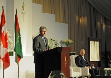 Prime Minister Stephen Harper addresses the gathering at the Foundation Ceremony in Toronto, in the presence of Mawlana Hazar Imam.