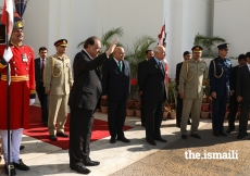 President Mamnoon Hussain bids farewell to Mawlana Hazar Imam upon his departure