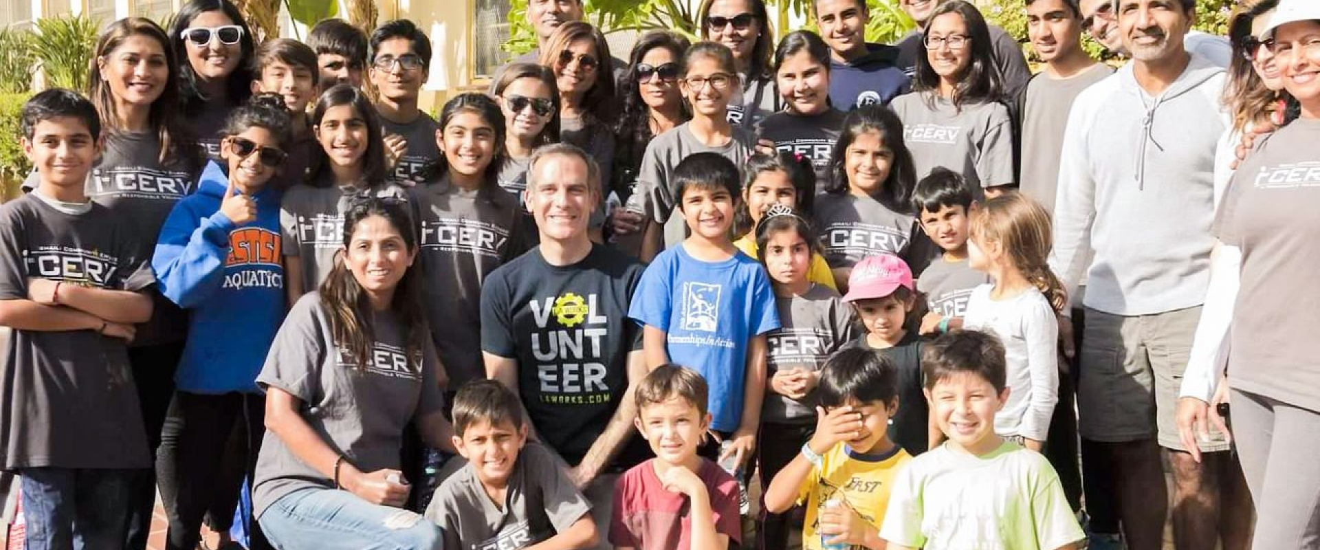 Los Angeles Mayor Eric Garcetti (center) poses with I-CERV team members on Martin Luther King Day, as I-CERV volunteers partnered with LA Works to beautify a local school.