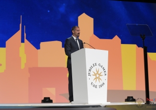 Prince Rahim addresses the Jamat at the Opening Ceremony and congratulates the participants and those who have helped out in the Jubilee Games and the events leading up to them. JG/Aly Ramji