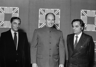 Ranjit Sabikhi (left) Indian architect and Ramesh Khosla (right), Canadian designer, posing with His Highness the Aga Khan after receiving the Aga Khan Award for Architecture for their design of the Sheraton Mughal Hotel at Agra, India.