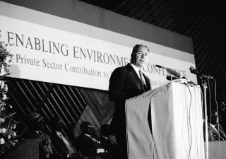His Highness the Aga Khan delivering a speech at the Enabling Environment Conference Opening Ceremony in Nairobi, 21 October 1986, Kenya.